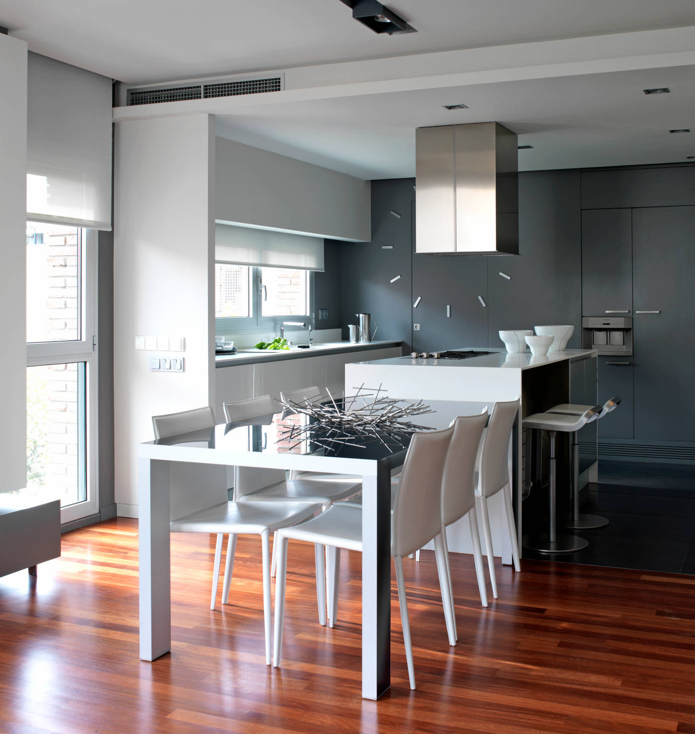 Reforma e interiorismo de una vivienda en la calle Pau Alcover de Barcelona