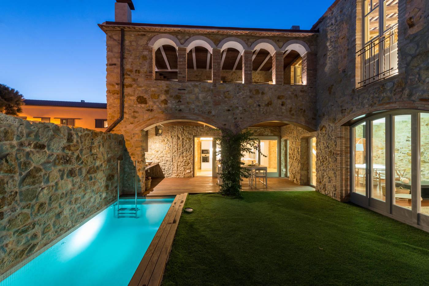 reforma y diseño interior de masias y casas pueblo, gloria duran arquitecto barcelona
