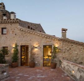Rehabilitación e interiorismo de una casa en el núcleo antiguo de Pals. Baix Empordà